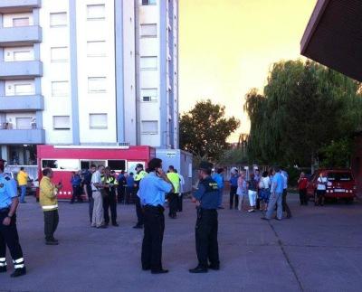 16:35h. Es comença a muntar el centre de comandament al parc de bombers de Figueres